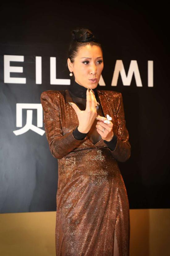 2018年深圳时装周 时尚达人唐拉拉率世界超模现身