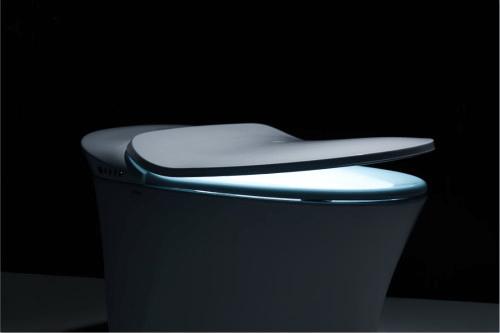 箭牌卫浴v6禅智能马桶最突出的功能就是其研发了独特柔水漩冲通便技术