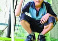广东塘厦中小学开高尔夫课 老师:做好引导避攀比