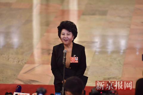 国侨办主任裘援平:中国从未利用侨胞危害别国利益