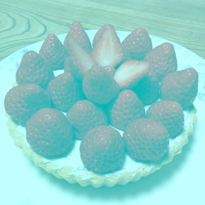 你的眼睛在撒谎:这些草莓并不是红色的照片 - 1
