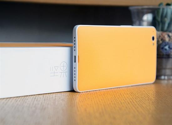 听说产品经理和程序员打起来了 APP可随手机壳改变颜色?