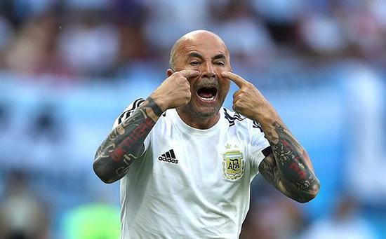 阿根廷足协何止坑爹? 梅西掏钱付保安拖欠工资