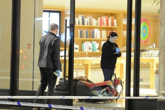 伦敦不太平 摄政街苹果零售店被飞贼洗劫