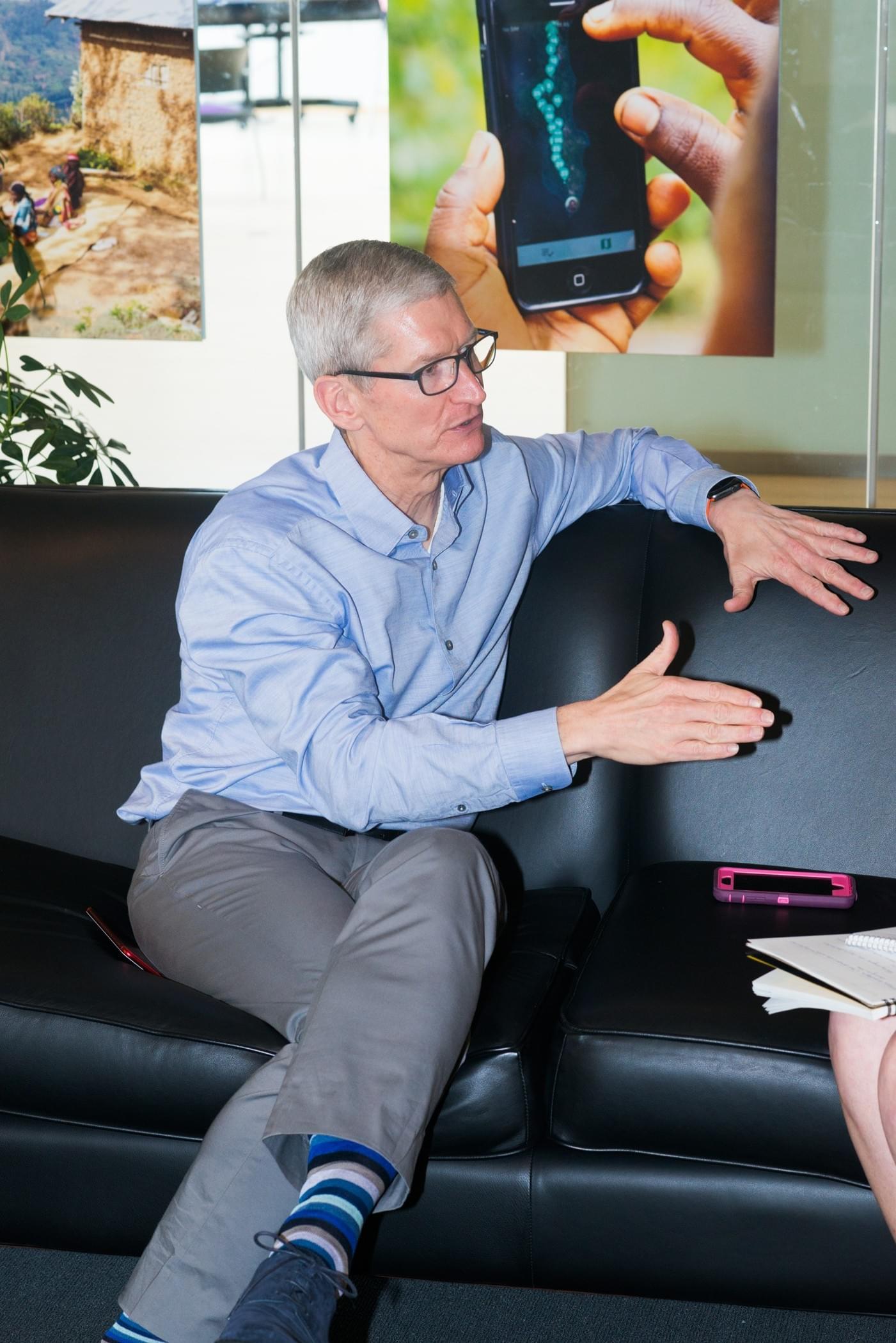 库克:苹果并未落后 未来不可言之过早