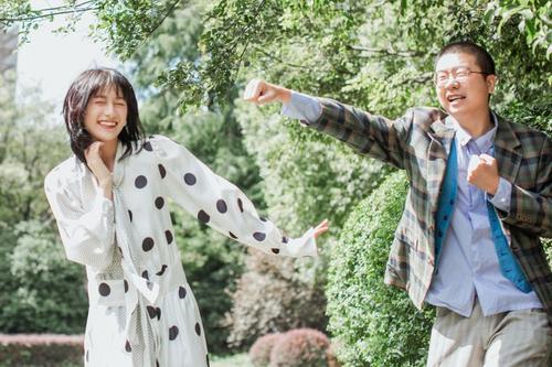 李诞与女友晒婚纱美照,是婚期将到?