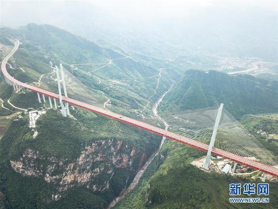(新华全媒头条·图文互动)(6)从万桥飞架看中国奋斗——在贵州高高的山岗上