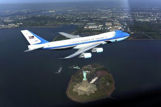 美国空军之前称波音的飞机升级计划耗资256亿美元