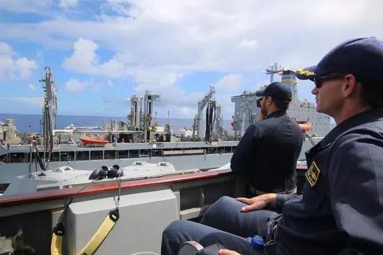 美军驱逐舰真的绕台湾岛一圈? 专家:或为躲避台风