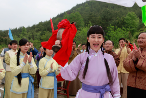 热播剧《后妈的春天》李彩桦演绎正能量后妈