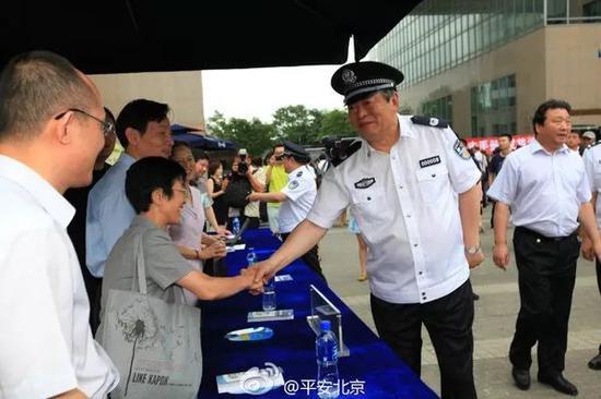 公安部副部长李伟卸任 曾为首任国家反恐办主任