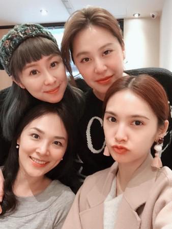 """4 in Love""2月在杨丞琳香港演唱会合体。"