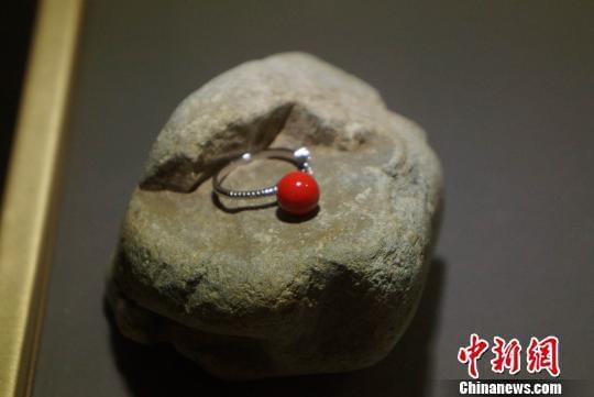 探访景德镇首家陶瓷珠宝生产线