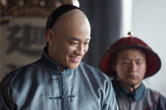 何润东因《那年花开》常登热搜 展整容般演技