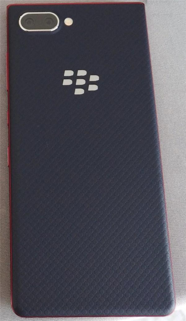 黑莓KEY2 Lite手机曝光:红蓝铜三色,低配版
