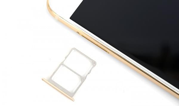 苹果在国内申请iPhone双卡双待的专利的照片