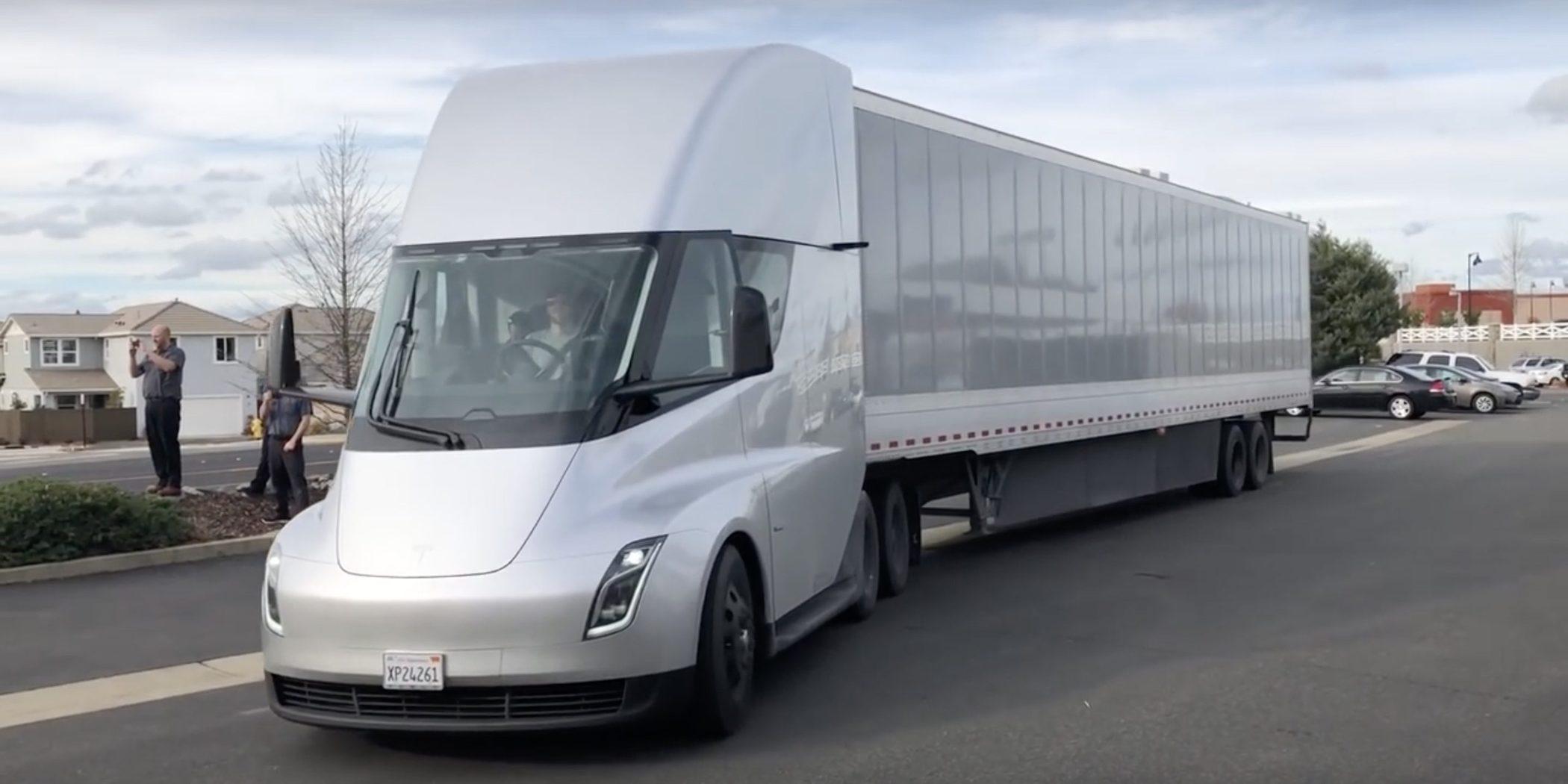 特斯拉电动卡车收到大单 沃尔玛宣布再订购30辆