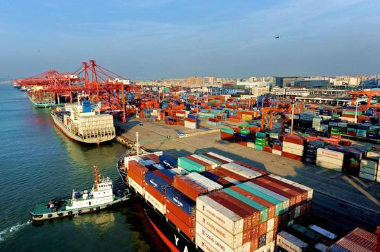 无人机--厦门港尝试探索无人机技术 已实现船上起降