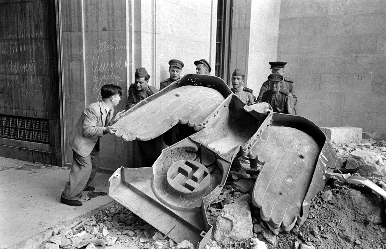 希特勒去哪儿了:逃匿南美的阴谋论为何长盛不衰?