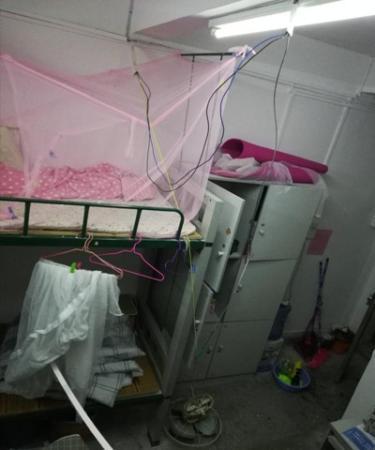 常湘提供的宿舍风扇坠落图片。