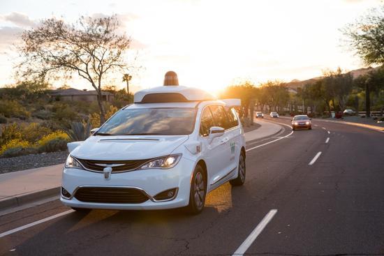 进度加快,Waymo无人车总里程已突破1000万英里