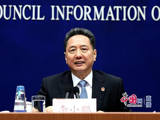 交通部部长李小鹏:正在研究制定交通强国建设纲要