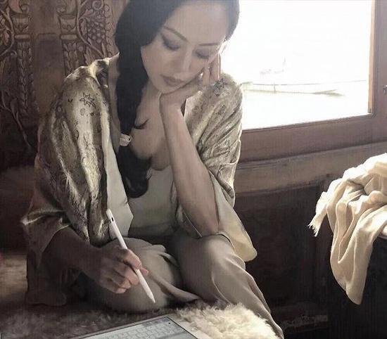 章小蕙在印度 图片来源:章小蕙微信公众号