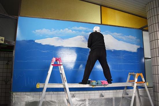 风行一时的日本浴场壁画,它和它的创作者都去哪儿了?