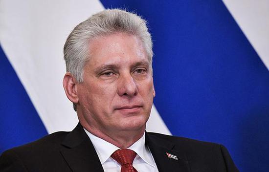 古巴国家领导人、国务委员会主席米格尔迪亚斯-卡内尔 东方IC图 古巴国家领导人米格尔迪亚斯-卡内尔(Miguel Diaz-Canel)到访朝鲜。 据朝鲜《劳动新闻》11月4日消息,卡内尔已经抵达朝鲜进行访问。 朝媒称,朝鲜人民热烈欢迎古巴国务委员会主席兼部长会议主席米格尔迪亚斯-卡内尔访问平壤,并衷心希望访问大获成功。 该报道指出,尊敬的米格尔迪亚斯-卡内尔同志的再次来访显示了朝鲜人民与古巴人民之间兄弟般的友谊和友好关系。?