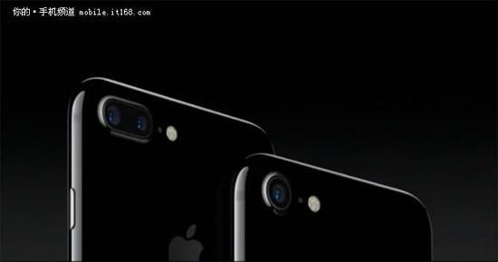 传iphone8用无边框设计