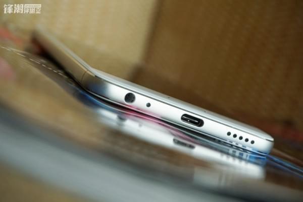 双面2.5D玻璃:魅蓝X真机图赏的照片 - 7