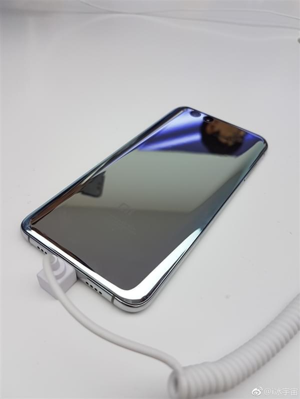 小米6亮银版真机:能当镜子照的照片 - 8