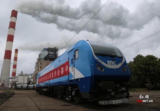 塞尔维亚制造的电力机车. 资料图-中车株机出口塞尔维亚火车头投