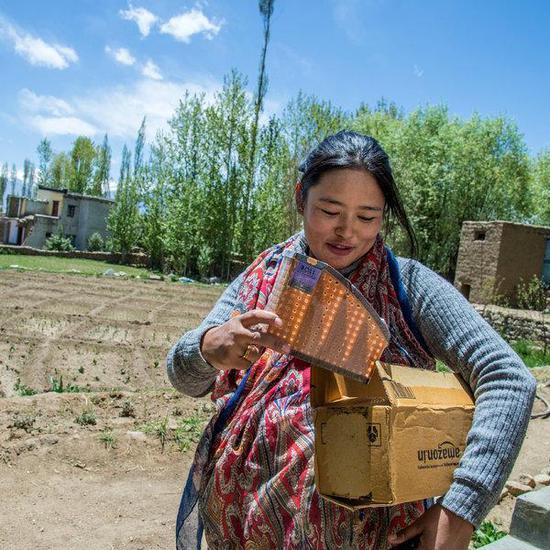 亚马逊把包裹送到了喜马拉雅山的偏远地区