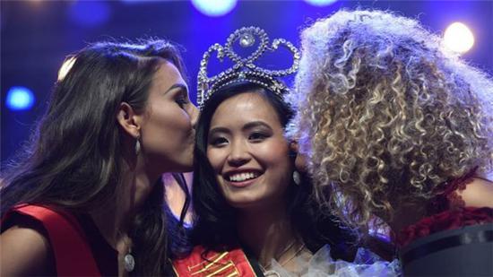 亚裔当选比利时小姐遭种族歧视 被网友骂人妖