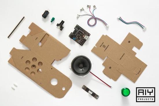 谷歌发布首款DIY开源AI硬件,树莓派玩家又能折腾了...