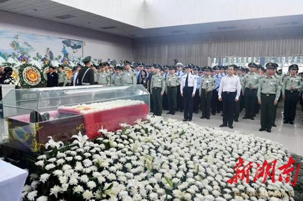 牺牲消防战士被追记一等功 爷爷奶奶还不知其去世