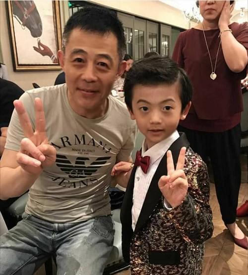 童星王子奇参加第二十二届华鼎奖颁奖盛典