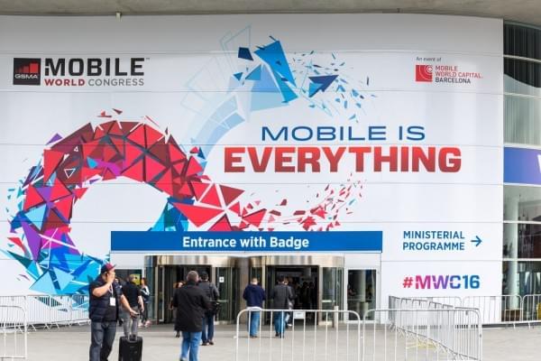 微软参加2017 MWC,尽管没Surface Phone但会传达很多信息的照片