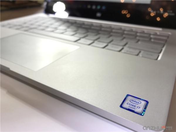 外观基本没变:小米笔记本Air 4G版现场图赏的照片 - 5