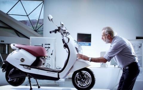 而雅迪电动车的外观造型,结构设计向来是最为人称道的.