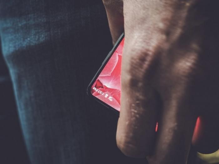 Android之父操刀骁龙835新旗舰亮相:全面屏+最流畅7.0的照片 - 1
