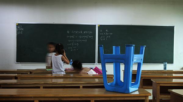 孩子们前脚离开学校 后脚就扎进各种培训班