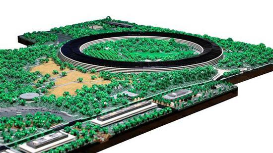 牛人用乐高搭出Apple Park:8万多块积木