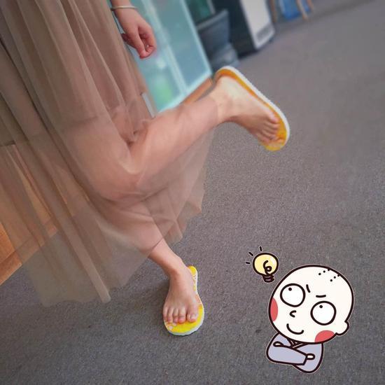 上一秒嘻哈小天王,下一秒娇羞小萝莉,让这款魔术拖鞋解放你的天性 | 生活方式