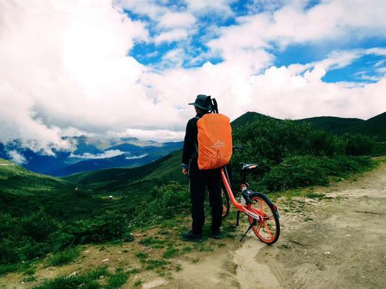 没找到还车地 小伙阴差阳错骑着共享单车去了西藏