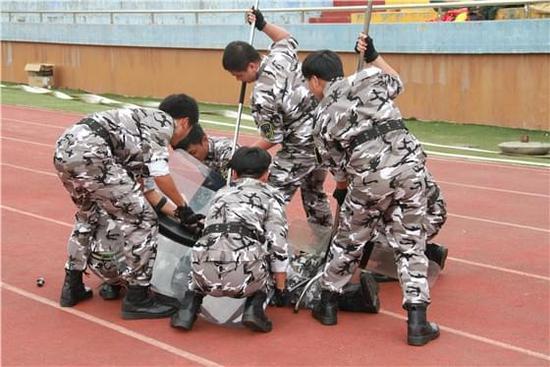 闽南科技学院举行第八届学生纠察队比武大赛