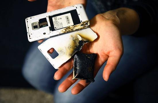 如何防止智能手机电池爆炸的照片 - 2