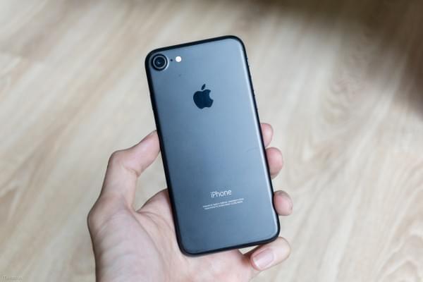 哑光黑和亮黑色iPhone 7划伤后会怎么样?的照片 - 8