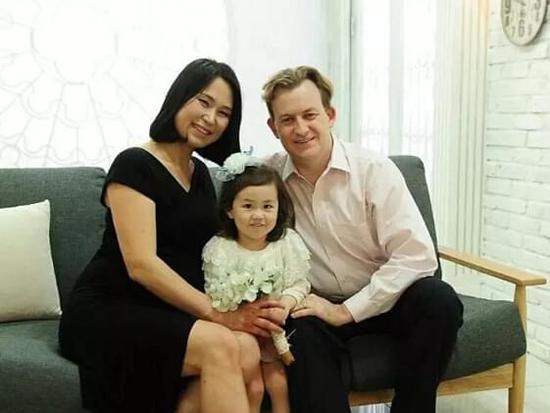 朴槿惠下台番外:两娃乱入BBC直播喊要跟奶奶视频